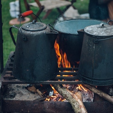 kitchenware to cook your food on camping