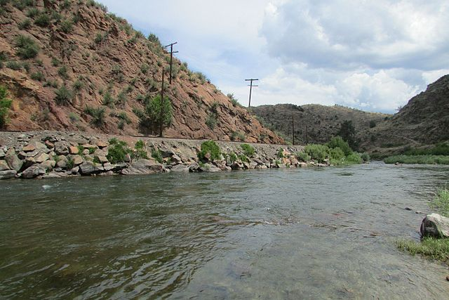 Arkansas River - https://upload.wikimedia.org/wikipedia/commons/thumb/c/c4/Arkansas_River_2016-07-12_517.jpg/640px-Arkansas_River_2016-07-12_517.jpg
