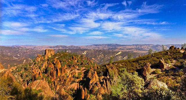 Pinnacles National Park - https://upload.wikimedia.org/wikipedia/commons/thumb/d/d5/Pinnacles_National_Park_view.jpeg/640px-Pinnacles_National_Park_view.jpeg