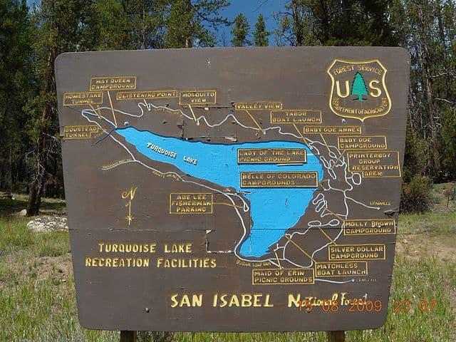 Turquoise Lake - https://upload.wikimedia.org/wikipedia/commons/thumb/f/fb/Turquoise_Lake_Leadville_Colorado_-_panoramio.jpg/640px-Turquoise_Lake_Leadville_Colorado_-_panoramio.jpg