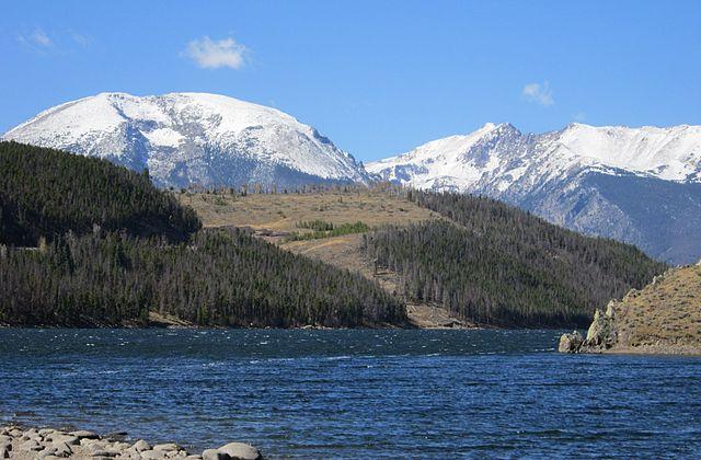 lake dillon - https://upload.wikimedia.org/wikipedia/commons/thumb/4/4b/Lake_Dillon%2C_in_Colorado%2C_in_October_2011.jpg/640px-Lake_Dillon%2C_in_Colorado%2C_in_October_2011.jpg