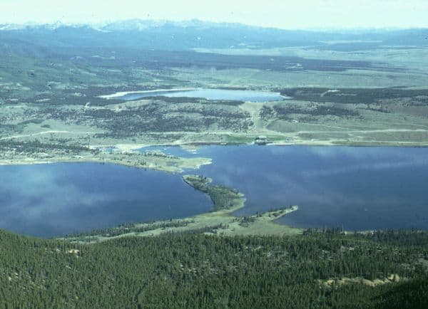 twin-lakes-colorado https://en.m.wikipedia.org/wiki/File:Twin_Lakes,_Colorado.jpg