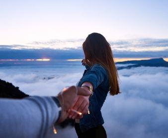 couple adventure on mountain